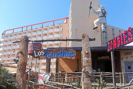 Das Familien-Hotel Sol Katmandu (l.) wurde innen komplett saniert und mit dem Freizeitpark Katmandu vereint.