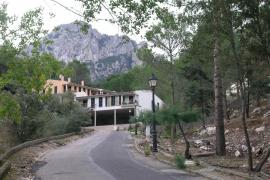 Der Status quo: Eine Straße, vereinzelt Häuser und viel Wald.