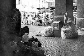 Im Jahr 1987 streikte die Müllabfuhr schon einmal, der Abfall häufte sich nicht nur auf der Plaça Major in Palma.
