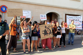 Proteste von Tierschützern gehören beim Stierkampf auf Mallorca zum gewohnten Bild.