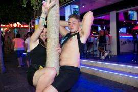 In Magaluf im Südwesten Mallorcas ist immer viel Sex und Alkohol im Spiel.