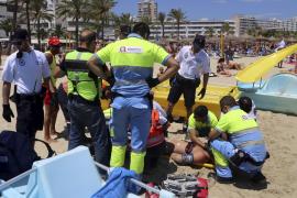 Anfang Juli musste ein junger Engländer auf Mallorca mit Bändern fixiert werden.