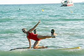 Manche Übungen stärken den Rücken.