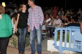 Spontaner Besuch im Freizeitlook: Letizia und Felipe in Cala Major.