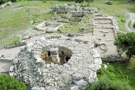 Son Fornés ist eine der am besten erhaltenen Megalithsiedlungen Mallorcas. Bewohnt war sie in der Zeit von 900 v.Chr. bis 500 n.