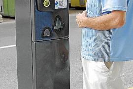 Neuer Parkautomat verlangt die Autonummer