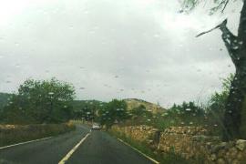 Der Regen ist da: Gesehen am Dienstag auf dem Weg nach Puigpunyent.