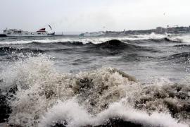 Der Wind ließ die Wogen in der Bucht von Palma hochgehen.