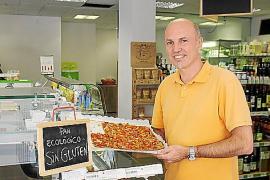 """Domingo Marza von """"Mercasana"""" setzt unter anderem auf glutenfreie Backwaren."""