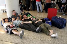 Jede(r) zehnte 18-Jährige hatte schon mal Sex am Airport