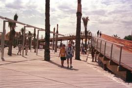 Holzweg in Port d'Alcudia wird beseitigt