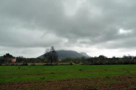 Bewölkt und regnerisch