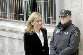 FEBRUAR: Prinzessin Cristina muss am 8. Februar im Korruptionsfall Nóos, in den unter anderem ihr Ehemann Iñaki Urdangarin vers