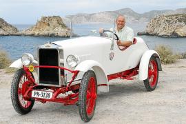 AUGUST: Der schwäbische Tüftler Karl-Heinz Bosch stellt eine E-Version der historischen Automarke Loryc vor, die in den 1920er J