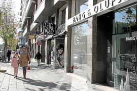 Neben Kulinarik sind auch hochwertige Konsumgüter wie Unterhaltungselektronik von Bang & Olufsen im Angebot.
