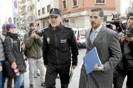 Drei Haftbefehle und zehn Festnahmen im Polizeiskandal