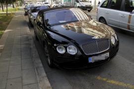 Die Polizei stellte auch diesen Bentley sicher.