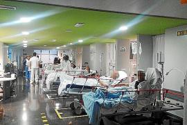 Patienten-Betten im Gang