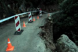 Erdrutsch führt zu Straßensperrung