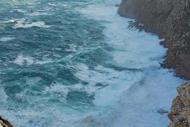 Stürmisches Meer am Kap Formentor.