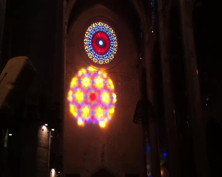 Regenbogenfarben auf Gotik
