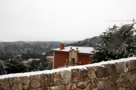 Der Winter hat Mallorca fest im Griff und auch in Palma hat es geschneit – zumindest im hochgelegenen Villenviertel Son Vida.