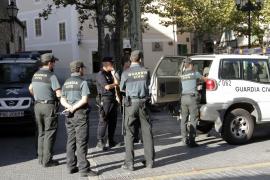 Feierwütige Jugendliche bedrohen Polizistin