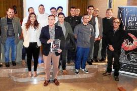 Bürgermeister Simarro mit den teilnehmenden Köchen aus Mallorca.