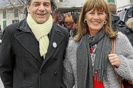 Feinkost- und Speiseeisspezialist Franz Kraus und seine Frau gehören seit vielen Jahren zu den regelmäßigen Marktbesuchern.