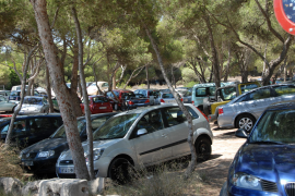 Der Parkplatz von Ses Covetes auf Mallorca. Foto: UH