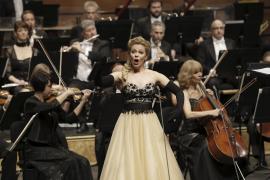 Stars des Abends waren die weltberühmten Sänger Johan Botha (Tenor) und die Sopranistin Daniela Fally (Foto).