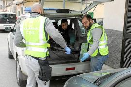 Die Polizei bei ihren Ermittlungen im Nordosten Mallorcas.