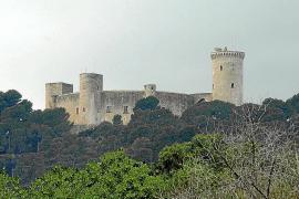 Ebenfalls beliebt: Ein Kombiticket für das Castell de Bellver (Foto) und die Kathedrale.