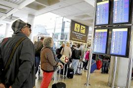 Fluglotsenstreik belastet Luftverkehr weiter