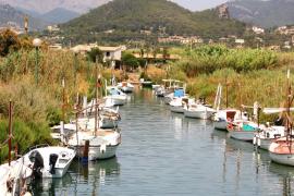 Der verunreinigte Bach mündet in diesen Meeresarm bei Port d'Andratx.