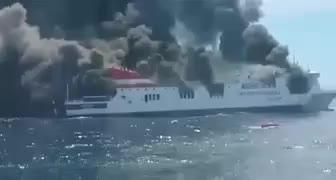 156 Passagiere von brennender Fähre Palma-Valencia gerettet