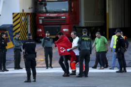 "MALLORCA. ACCIDENTES MARITIMOS. EL FERRY DE ACCIONA TRASMEDITERRANEA "" SORRENTO "" ARDE A 17 MILLAS"