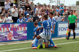 Atlético Baleares bejubelt Klassenerhalt