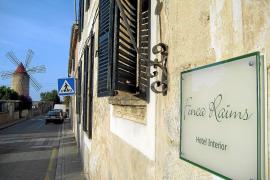 Finca Raïms heißt das Hotel in Algaida, in einen Dorfhaus aus dem Jahre 1750, das seit 2003 von den beiden Deutschen Jutta und T