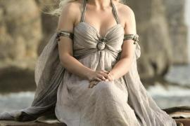 """Emilia Clarke, bekannt durch ihre Rolle als """"Daenerys Targaryen"""" in der Fantasyserie """"Game of Thrones""""."""