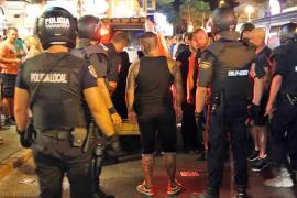 Polizei kontrolliert Schläger in Schinkenstraße