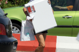 Nach ihrer Autopanne ging  Catherine Zeta Jones in Palma shoppen