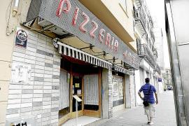 Frau in Pizzeria völlig ausgerastet