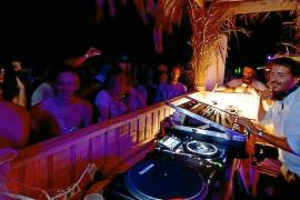 Diskotheken schießen gegen Beachclubs