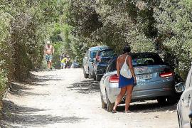 Ein Dutzend Fahrzeuge standen im Parkverbot
