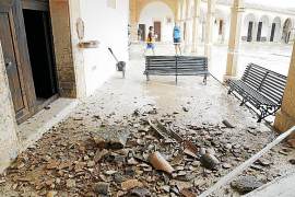 Bauschutt nach dem Schaden im Monti-Sion-Heiligtum.