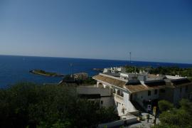 Der Strand von Illetes befindet sich westlich in Palma