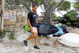 Surfer rettet 77-jährigen Schwimmer