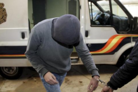 Sieben Jahre Haft für Steinewerfer gefordert