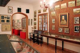 Seit 1959 existiert in Petra ein kleines Privatmuseum, das dem großen Sohn des Dorfes gewidmet ist.